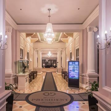 Entree Hotel President