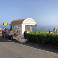 Villa Greta - bushalte voor de deur