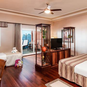 slaapkamer Family Elba Estepona Gran Hotel & Thalasso Spa