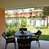 Voorbeeld terras met tuin