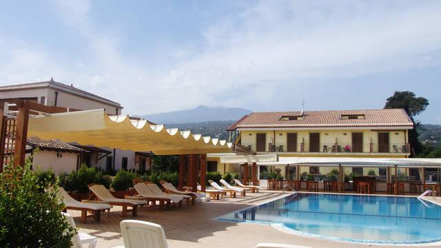 Zwembad Hotel La Terra dei Sogni
