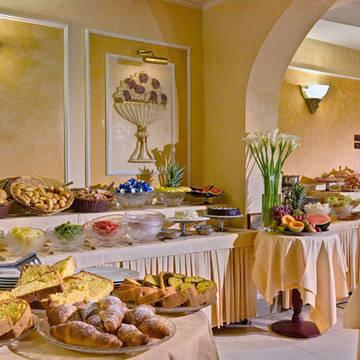 Ontbijtruimte Hotel Corona D'Italia