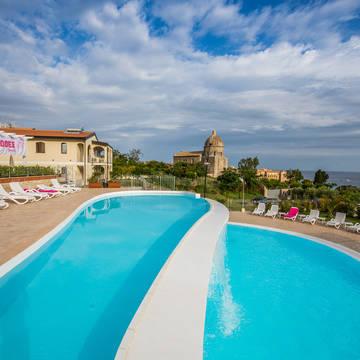 Zwembad 2 Michelizia Tropea Resort
