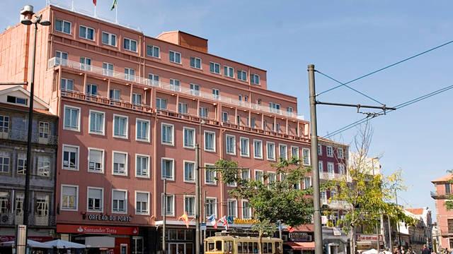 Voorzijde Hotel Legendary Porto