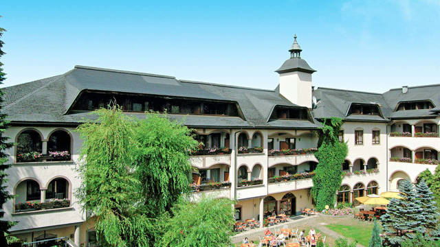 Buitenaanzicht hotel Familliepark Hotel Mittagskogel