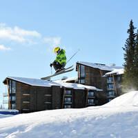 Exterieur met skiër