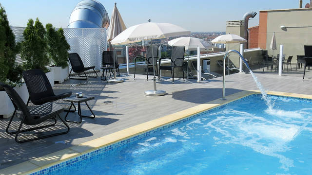 Zwembad Hotel Ganivet