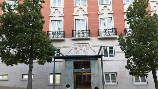 Voorzijde Hotel Miraparque