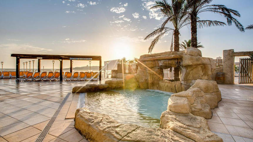 Zwembad Sunny Coast Resort & Spa