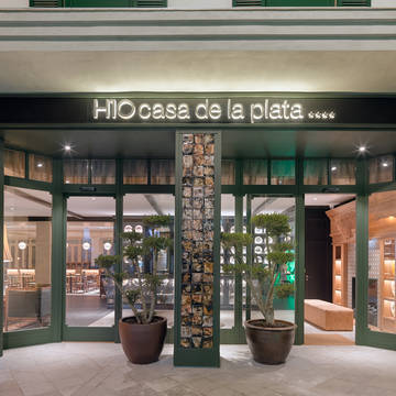 Buitenkant met entree Hotel H10 Casa de la Plata