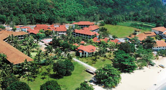 Federal Villa Beach Resort (rode daken)