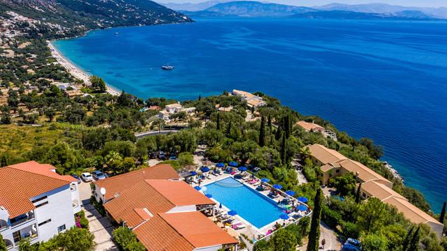 Bovenaanzicht Hotel Nautilus Barbati