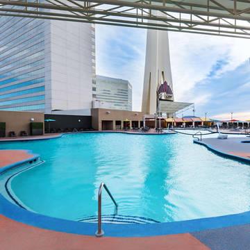 Zwembad The STRAT Hotel, Casino en SkyPod