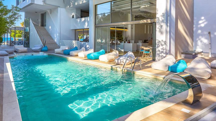 Zwembad Hotel Triton