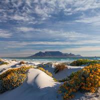 Zicht op de Tafelberg vanaf Blouberg strand
