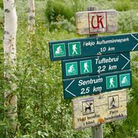 Wandelbordjes Ustedalsfjord - Foto: Paul Arthur Lockhart