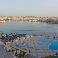 Uitzicht met zwembad