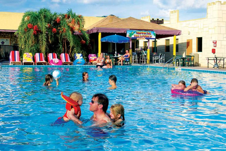 Seralago Hotel & Suites
