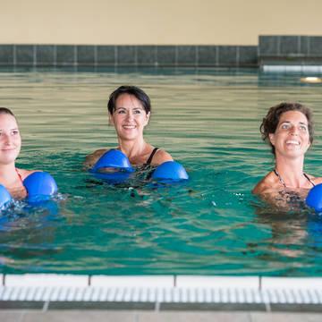 In het zwembad Land- & Wellnesshotel Kastenholz