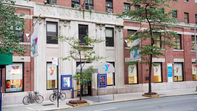 Voorzijde Hostel YMCA Vanderbilt