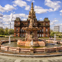 Glasgow - Doulton Fountain voor het People's Palace Museum