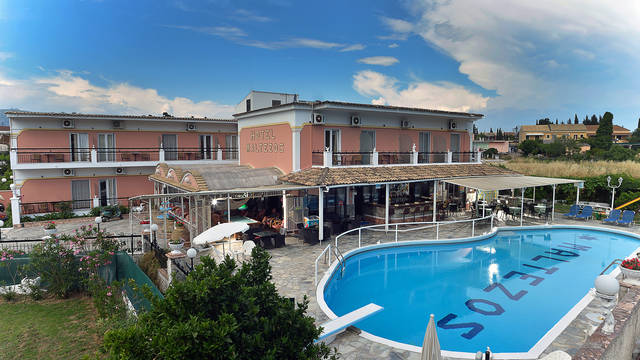 Zwembad Hotel Maltezos