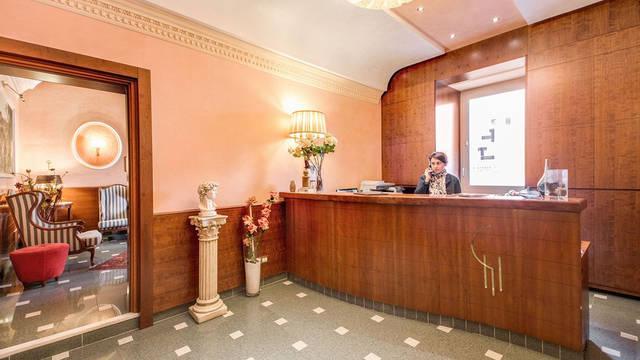 Receptie Hotel Giorgi