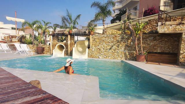Zwembad Hotel Alba Seleqtta Spa