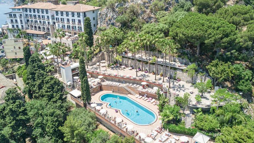 Bovenaanzicht Hotel Ariston