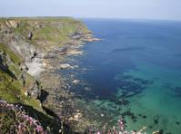 Rotsachtige kust in Cornwall