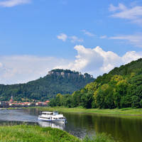 Rivier de Elbe in Königstein - Sächsische Schweiz