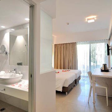 Badkamer/slaapkamer Apollon Hotel