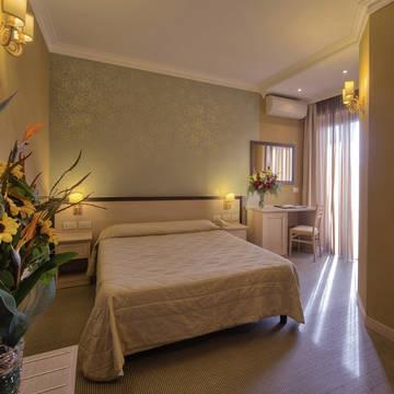Voorbeeld slaapkamer Hotel Galileo