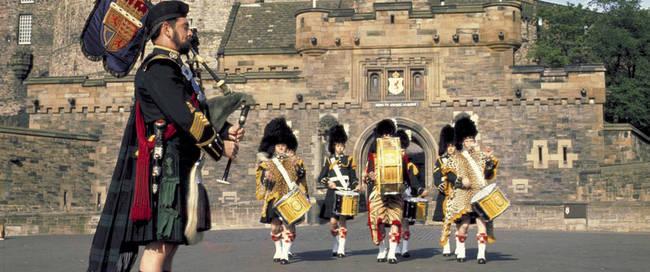 Edinburgh Castel met doedelzakspelers