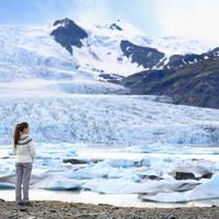 Vrouw bij Vatnajökull