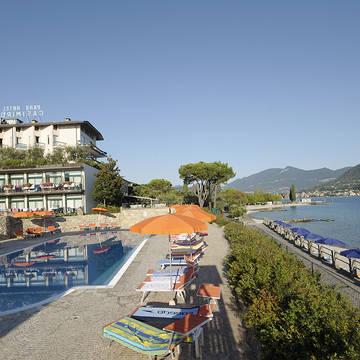 Exterieur zomer 1 Park Hotel Casimiro Village