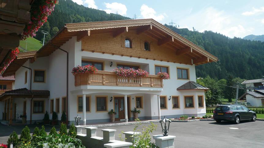 voorzijde Appartementen Landhaus Kupfner