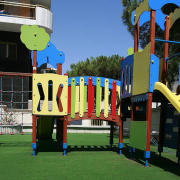 Juegos infantiles-Children playground Hotel Blaumar