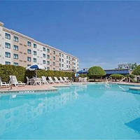 holiday inn hasbrouck