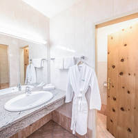 Voorbeeldbadkamer Hotel Toni