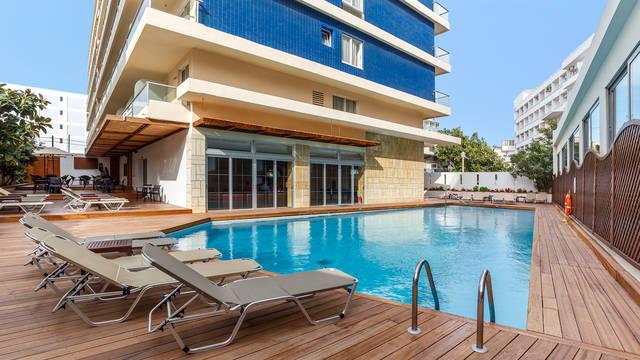 Zwembad Hotel Athena