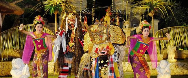 RIO4445Barong dancers team