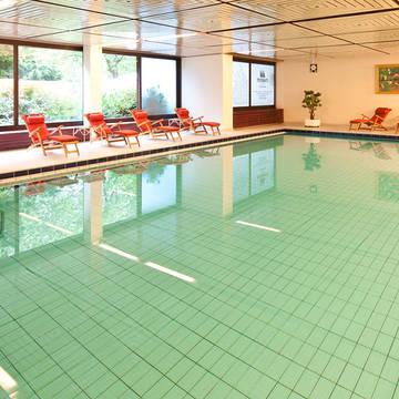 Overdekt zwembad Maritim Hotel Gelsenkirchen