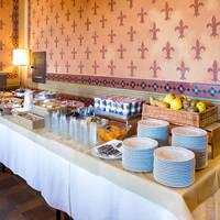 Ontbijtbuffet (tegen betaling)