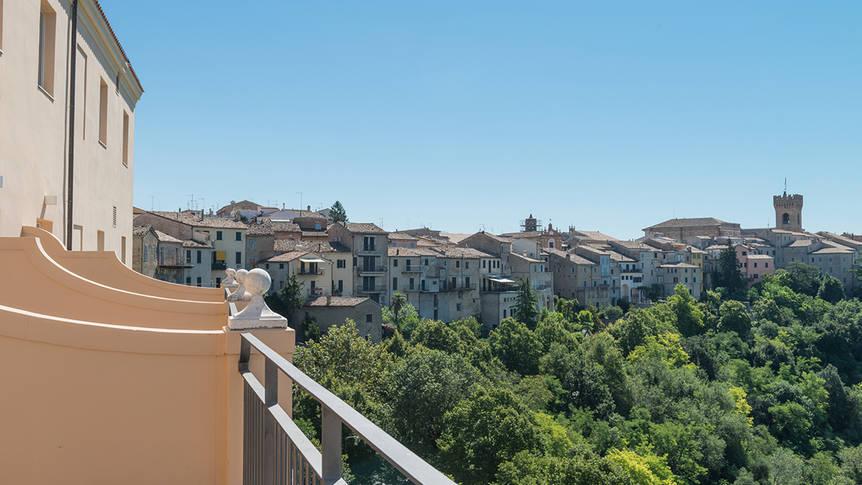 Uitzicht op Recanati Gallery Hotel