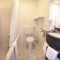 Fletcher Hotel De Mallejan - Voorbeeld badkamer