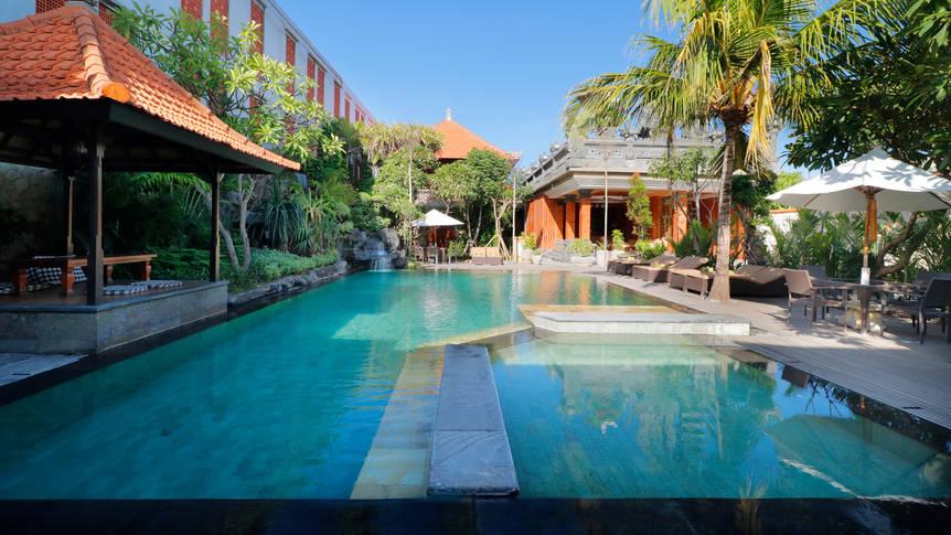 Zwembad Adi Dharma