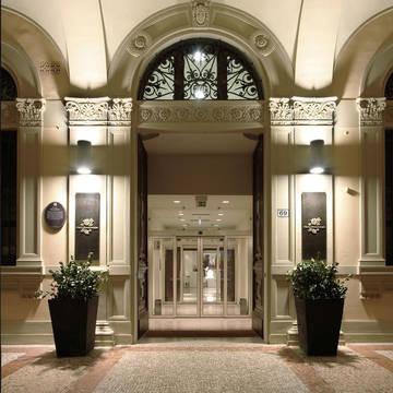Entree Hotel I Portici