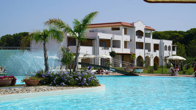 Zwembad Danaide Resort