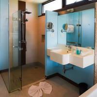 Voorbeeld Family Suite - badkamer